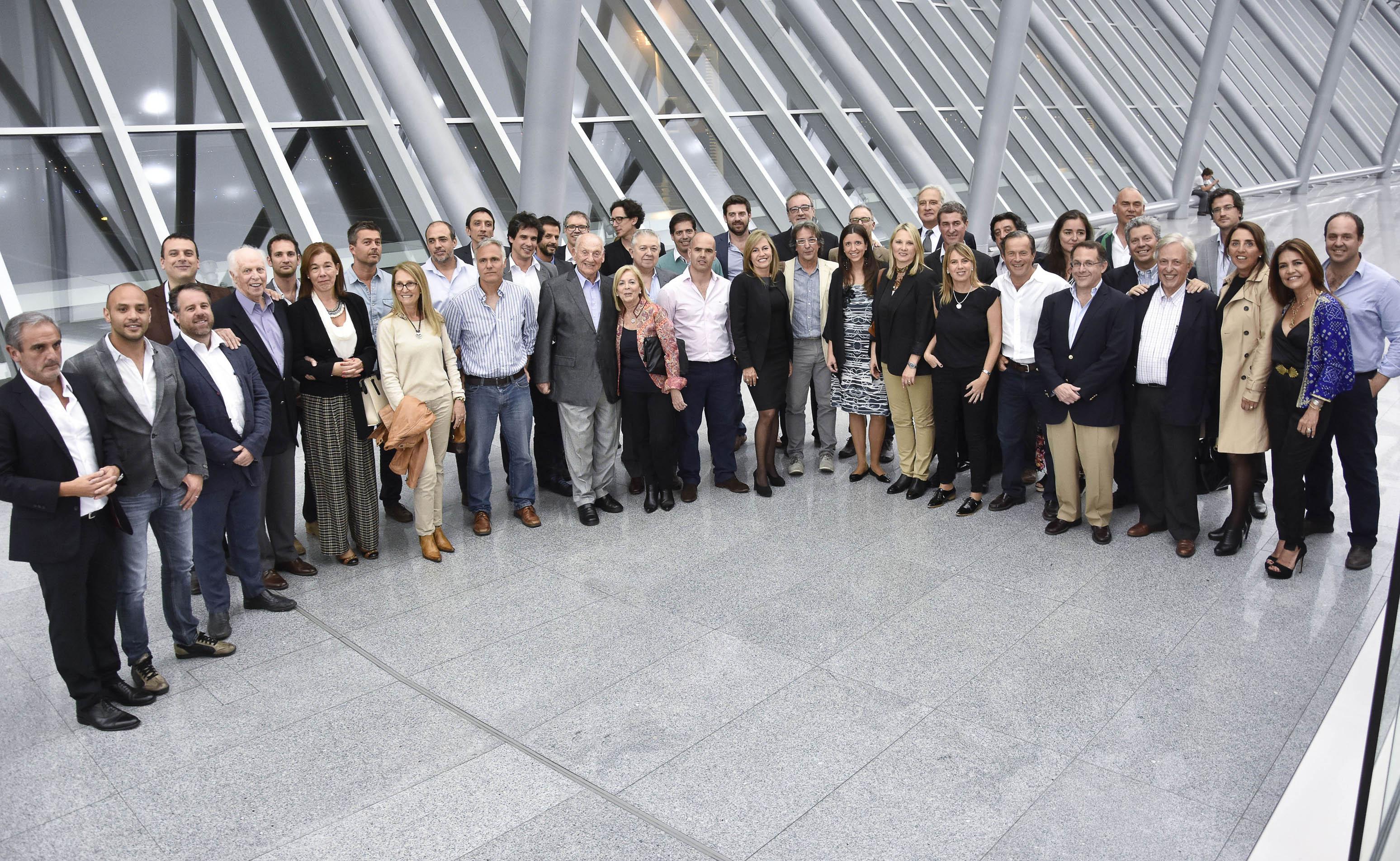 Arquitectos de 40 estudios uruguayos exponen su obra en el for Arquitectos y sus obras